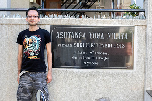 edilberto-perez-yoga-instructor